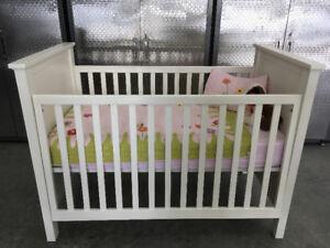 Baby crib/toddler bed