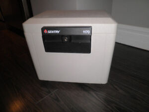 FIRE PROOF DOCUMENT SAFE