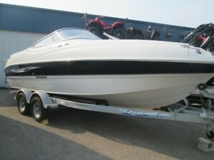 2010 Stingray DR 220 Deck Boat