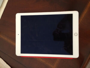 iPad Air 2 128 Gb White w case + Wifi/Cellulaire