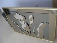 Mirror with a 3DTulip flower design