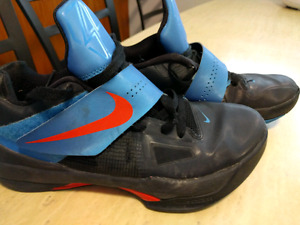 Size 8 Nike KD 4's