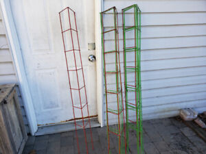 8 x red & green Vegetable trellis/cage - Heavy Duty