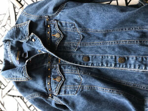 BRAND NEW ABERCROMBIE DEMIN JEAN JACKET IN PERFECT CONDITION!!