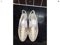 "SANDALS GENUINE LEATHER SIZE 5 CREAM AND GOLD 3""HEELS EXCELLENT CONDITION"