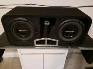 "2x 10"" Pioneer subwoofers Ts253r  1000watt Bassworx ported Box"
