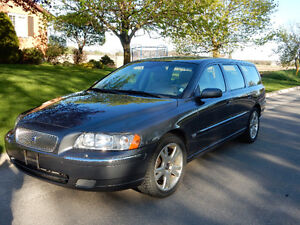 2006 Grey Volvo V70 2.5T Wagon SELLING CERTIFIED