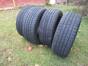 4 pneus 245 45 18 runflat BMW comme neuf /like new BMW runflat t