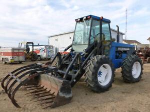 New Holland Bi-Directional Tractor & Loader