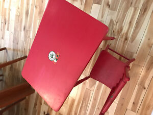 Cute unique child's dining table and chair