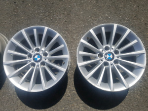 OEM BMW 17in rims. Mags 17 pouces BMW OEM.
