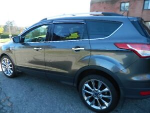 2015 Ford Escape option chrome VUS