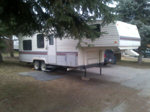 27' Terry Resort 5th Wheel