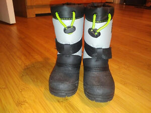 Super cute Diego Winter Boots sz 8 Kitchener / Waterloo Kitchener Area image 2