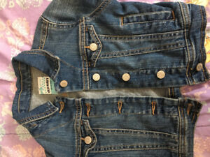 Old Navy denim jacket for girls- size 5 - barely used