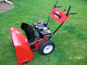 MTD Snowblower 10 hp, 28 inch ...... GREAT CONDITION