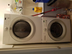 Excellent condition stackable washer/dryer