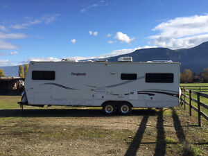 2006 Roughneck 30' Trailer