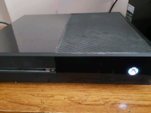 500gb Xbox One with controller