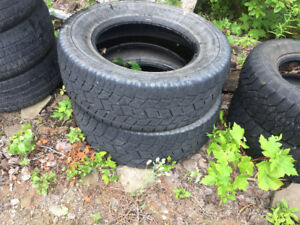 Set of 2 - LT 275/65r18 Toyo Open Country A/T used tires.