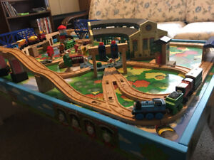 Thomas the train set + table with mounted tracks and round house