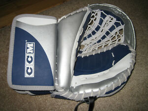 Street Hockey CCM Senior Blockade Goalie Glove Catcher