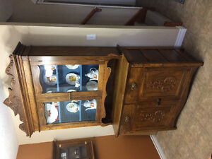 Antique china cabinet with hutch in beautiful condition