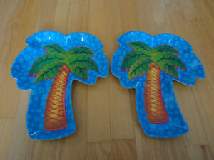 Brand new set of 2 palm tree shaped serving party trays