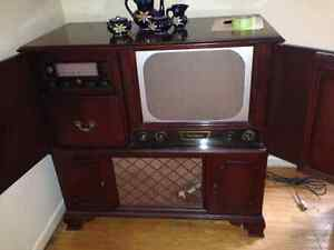 Antique 1953 Philips / Rogers Majestic combo entertainment conso
