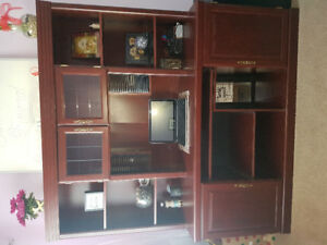 Office furniture 4 piece matching set excellent condition.