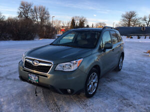 **LEASE TAKEOVER** 2015 Subaru Forester 2.5i Limited w/Tech Pkg