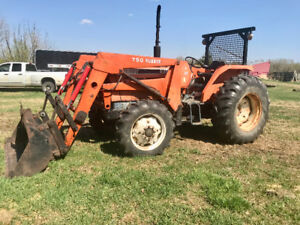 85 HP. FWA  M7950DT. THREE POINT HITCH KUBOTA LOADER TRACTOR