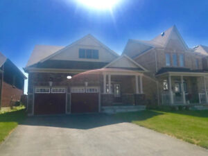 BY GEORGIAN MALL 4BED+2BATH FOR RENT SEPT 1