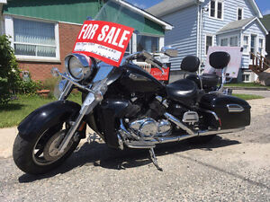 Motorcycle 1300 Royal Star Yamaha, very good condition, as is