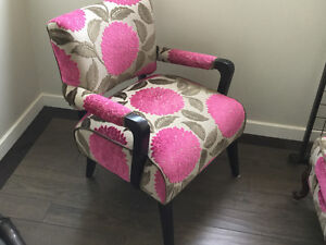 Beautiful accent chair! (Mid century modern)