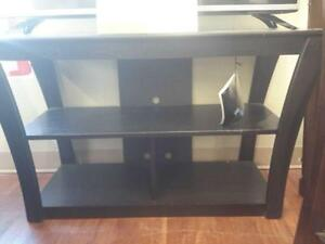 *** NEW *** ASHLEY ELLENTON TV STAND   S/N:51238287   #STORE592