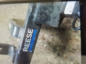 REESE TRAILER HITCH MODEL 44535 CLASS 3-4
