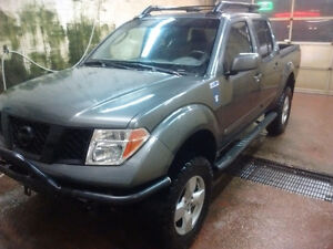 2005 Nissan Frontier Le Pickup Truck