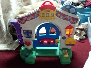 """Fisher-Price """"Laugh & Learn"""" Learning Home"""