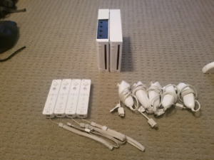 Wii consoles and controllers
