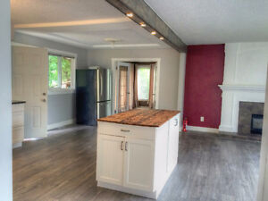 Beautiful Fully Renovated Upper 3 Bedroom & 2 Bathroom!