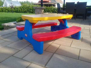 Little Tikes summer pic-nic table