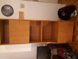 Deux armoires identiques 80$