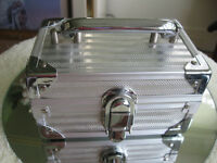 CLASSY & FLASHY describes this LITTLE SILVER TREASURE CHEST Watc