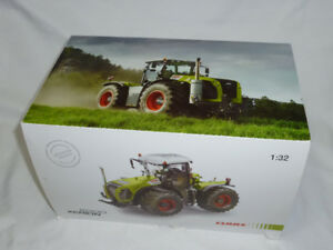 1/32 Claas Xerion 5000 Toy Tractor