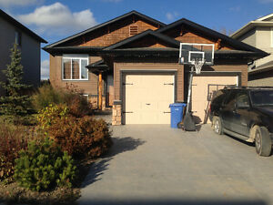 Executive 6+ bedrooms 30 min from Calgary in Turner Valley