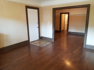 Large, Clean 2 Bedroom Avail. - Main & Gage - $ 1100