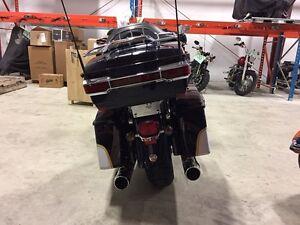 2012 Harley-Davidson FLHTCUSE7 - CVO Ultra Classic Electra Glide Regina Regina Area image 3