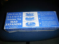 Clevite Tubeless Tire Expander