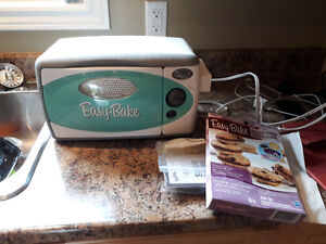 Easy Bake Oven - Barely Used